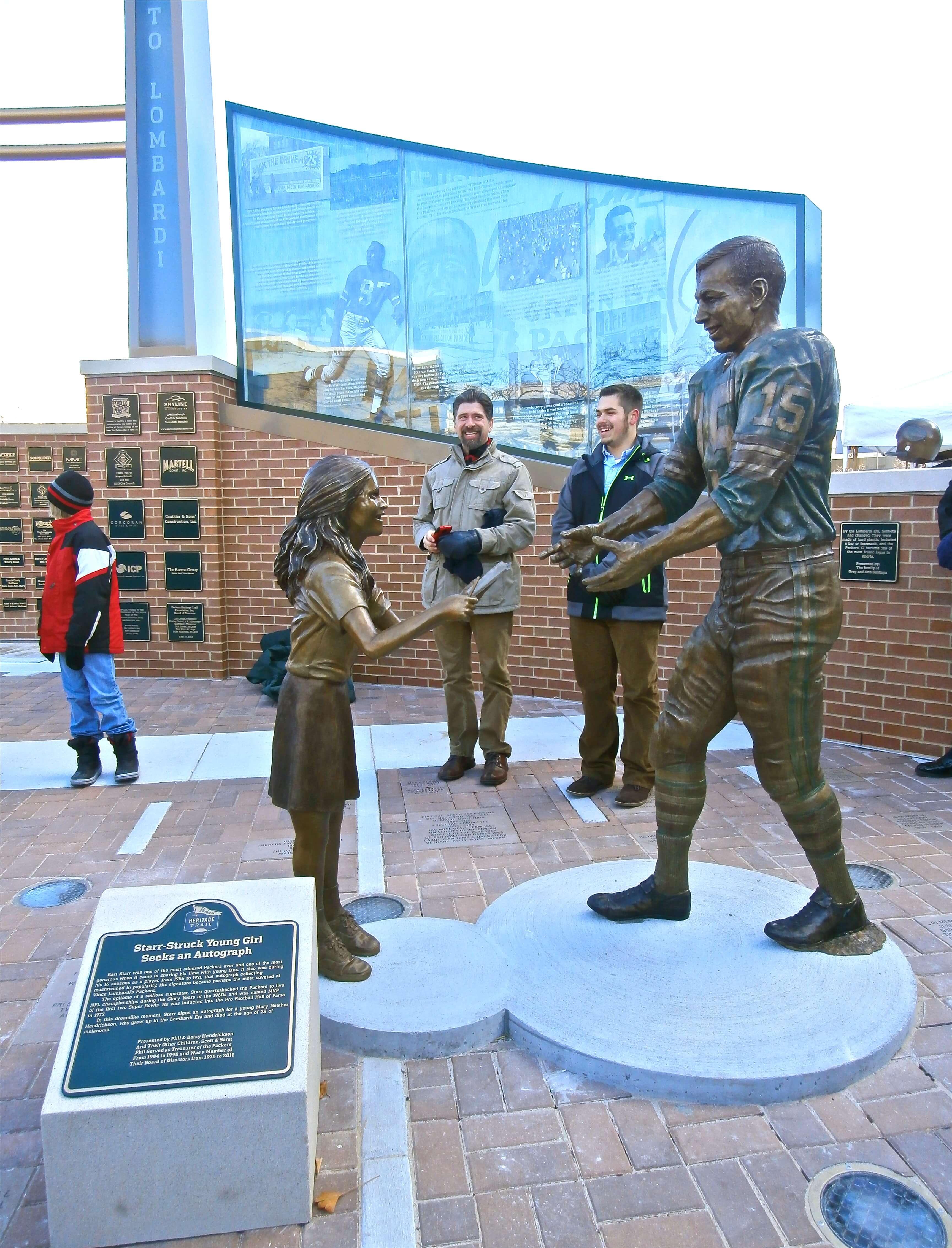 Bart Starr, Mary Heather Hendrickson, statue, Green Bay