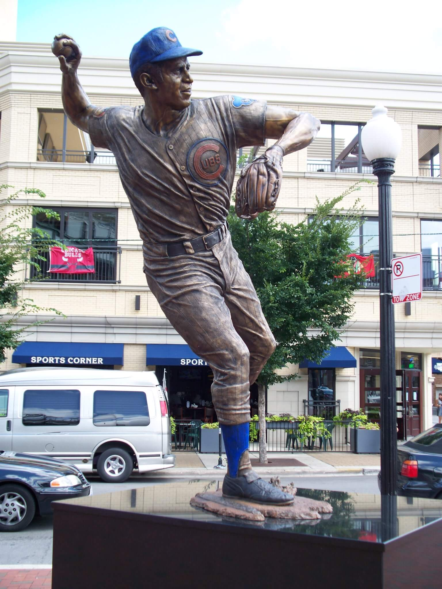 Ron Santo statue, Chicago Cubs, Wrigley Field