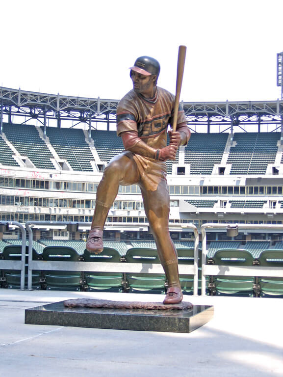Harold Baines, Chicago White Sox, statue