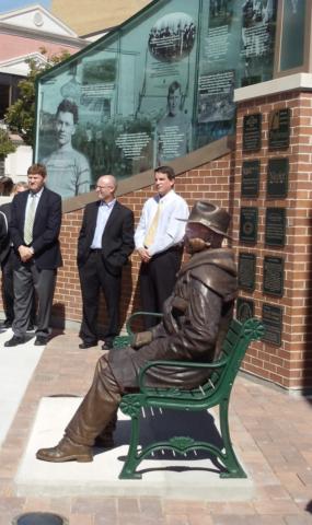 George W. Calhoun statue, Green Bay Packers