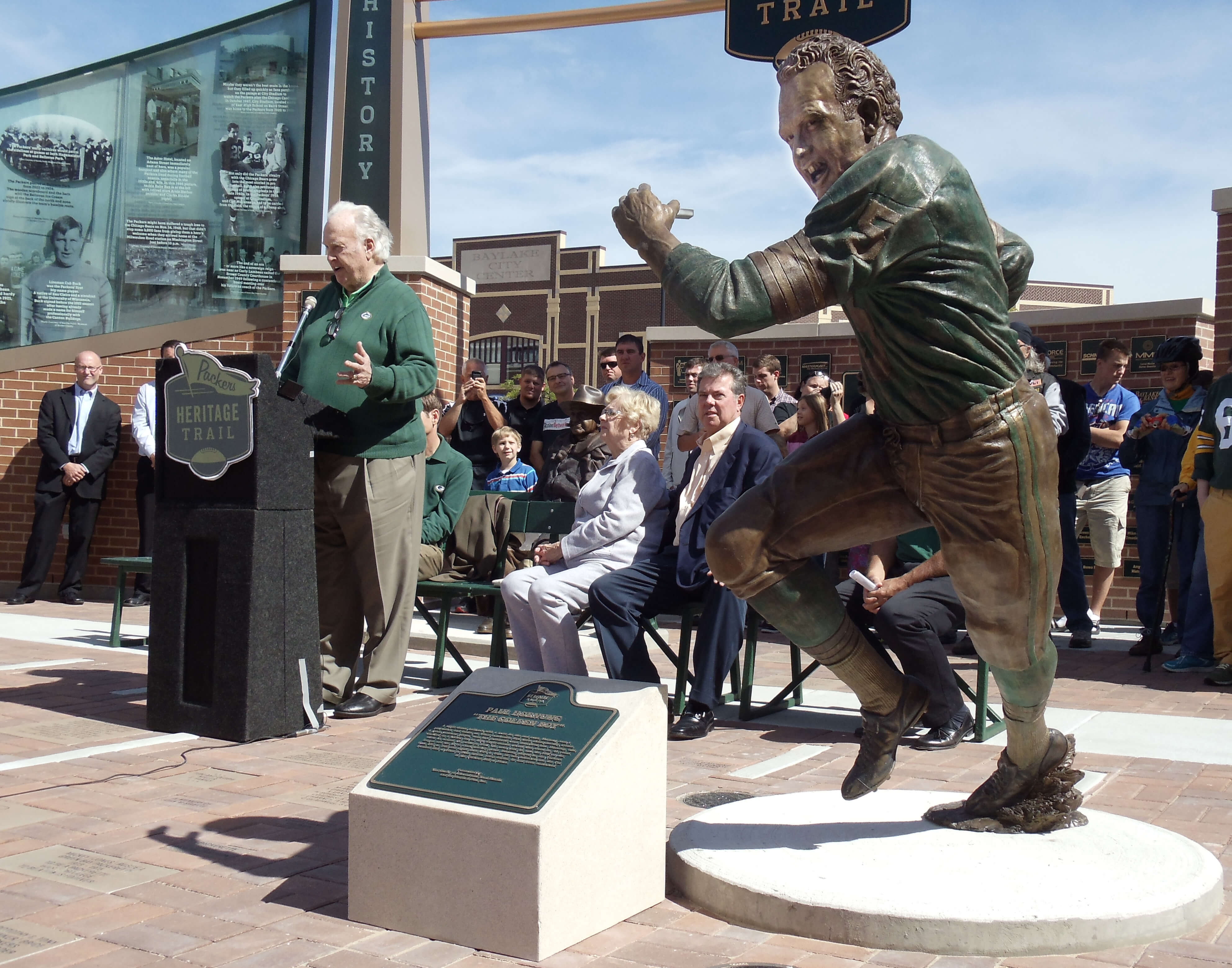 Statue of Paul Hornung, Green Bay Packers
