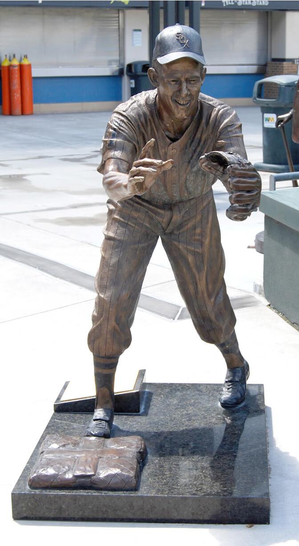 Luis Aparicio, statue, Chicago White Sox