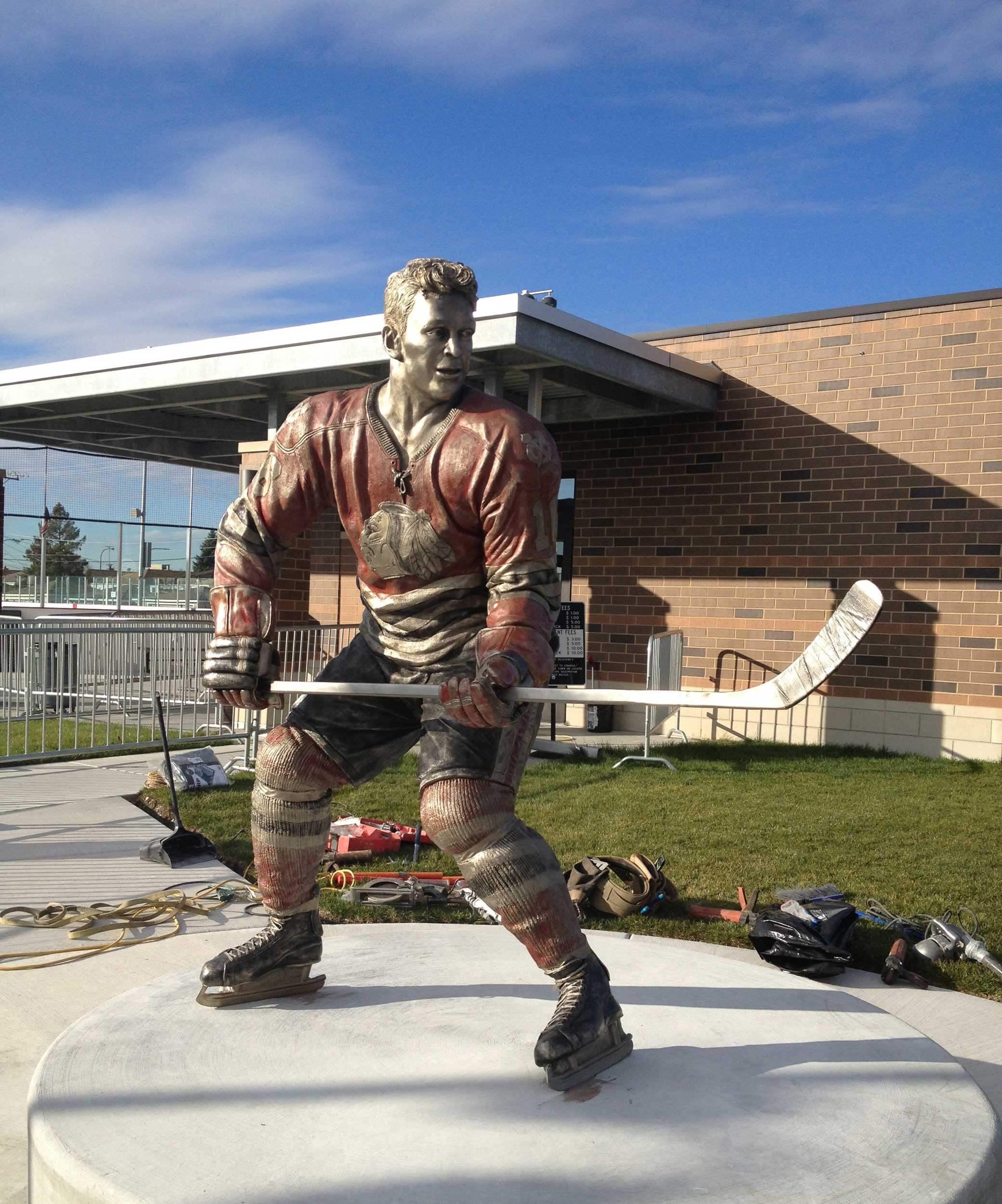 Bobby Hull statue, Chicago Blackhawks, Cicero