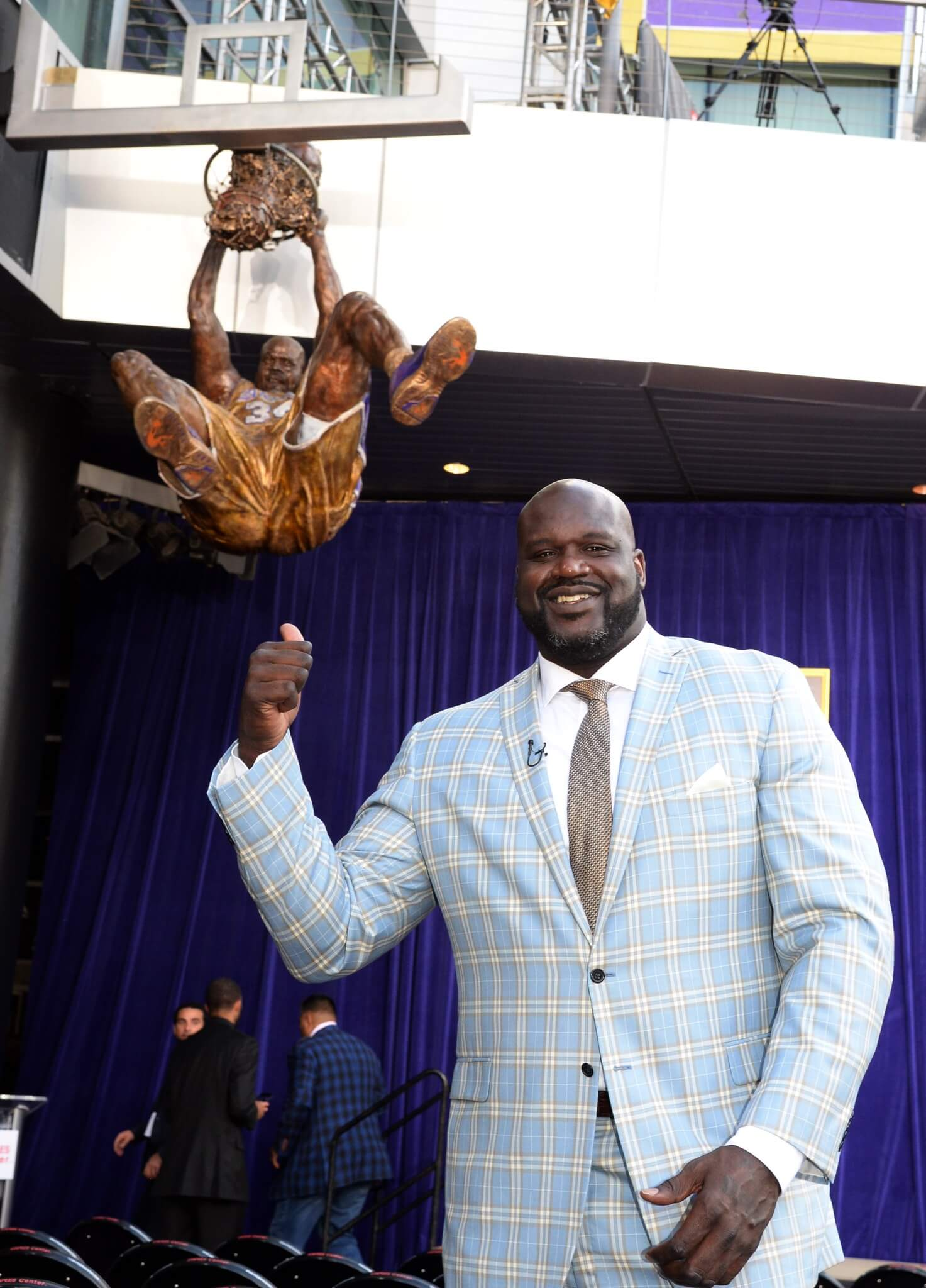 Shaq, statue, Shaquille O'Neal, LA Lakers, NBA